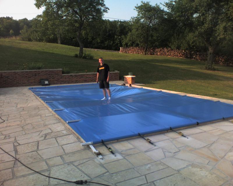Couverture pour piscines produits for Couverture de securite piscine