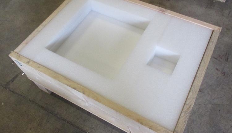 Conception & fabrication de caisse en bois sur mesure - null