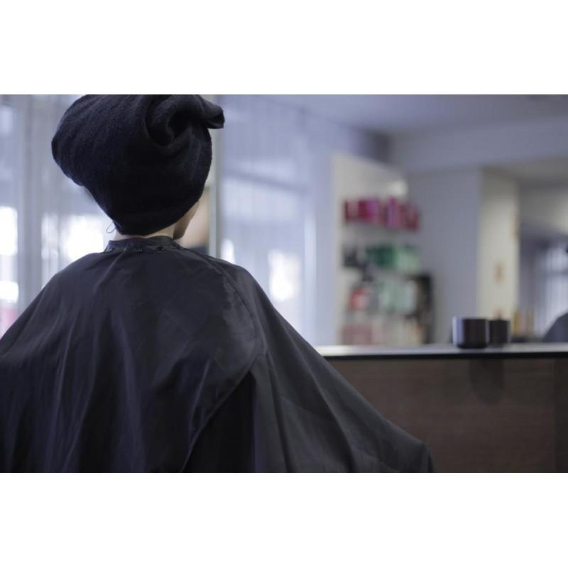 Hairdresser cutting caps