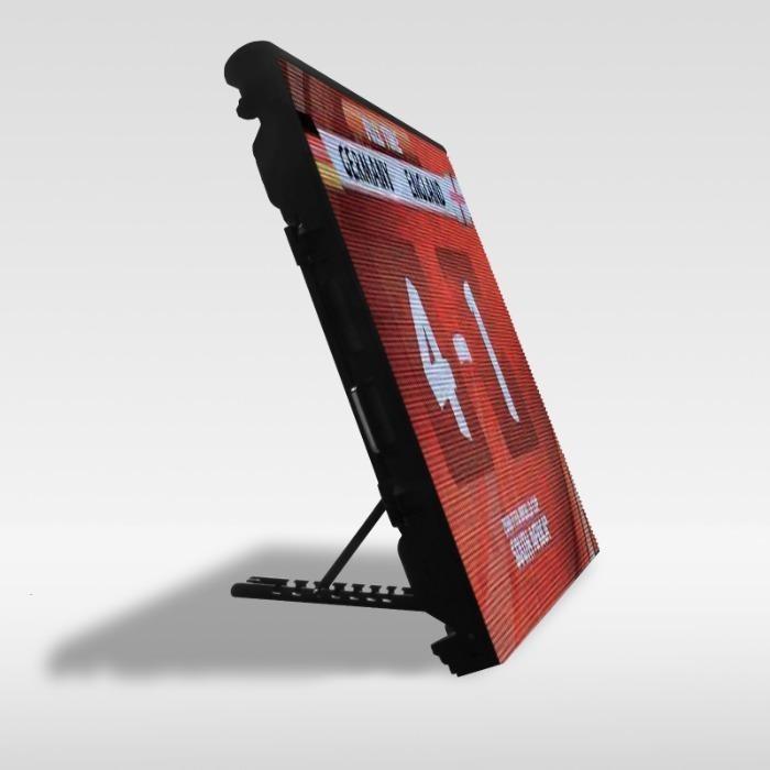 Stadion óriásplakát és információs képernyők - AVA LED kijelzők beltéri és kültéri sportpályákhoz