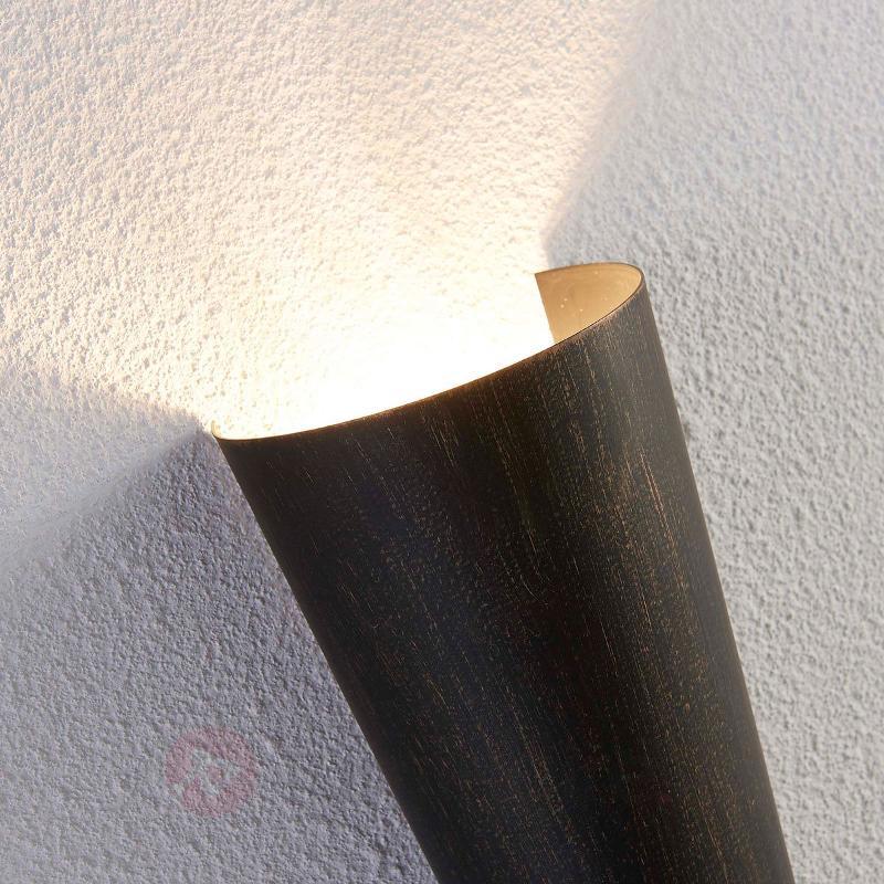 Applique noir-doré Conan, lumière indirecte - Appliques LED