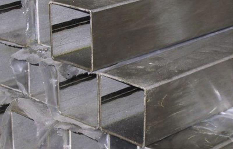 Welded square tubes -