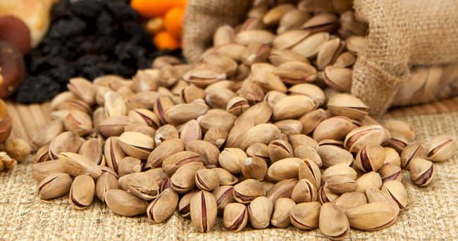 Pistachios - Raw and Roasted