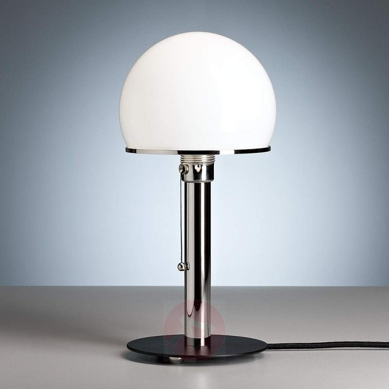 Wagenfeld table lamp with a black painted base - design-hotel-lighting