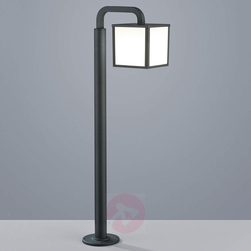Cubango - an LED path light with a lantern shape - outdoor-led-lights