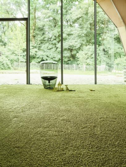 Frizzle 1400 - Wall-to-wall Carpet - Creation of a sensual allure.