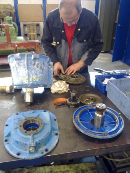Révision réducteur Bonfiglioli - Maintenance électro-mécanique en atelier