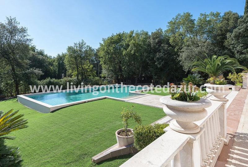 Spacious luxury villa for sale La Colle sur Loup - Real Estate