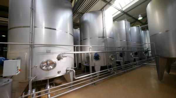 Depectinization stainless steel tanks - acid-proof tanks equipped with stirrers (mixers)