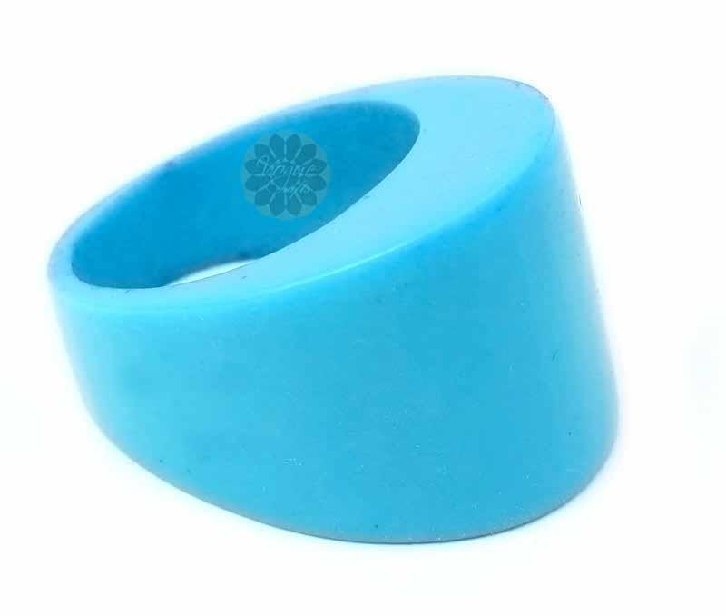 Splendid Blue Ring -