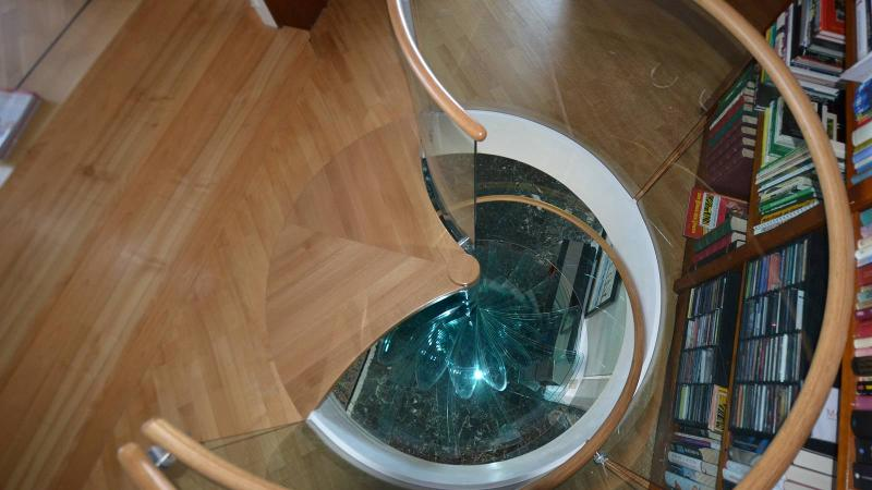 Spiral glass stairs - Sky-screw