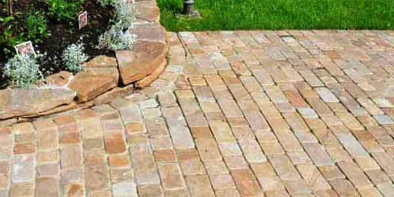 Paving Slab & Stone - Paving blocks made of natural sandstone is very popular among individual develop