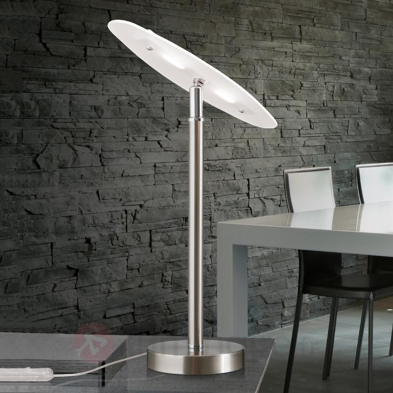 Lampe à poser LED Sabira à tête orientable - Lampes à poser LED