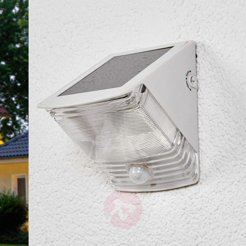 SOL 04 IP44 solar LED wall light, white - outdoor-led-lights