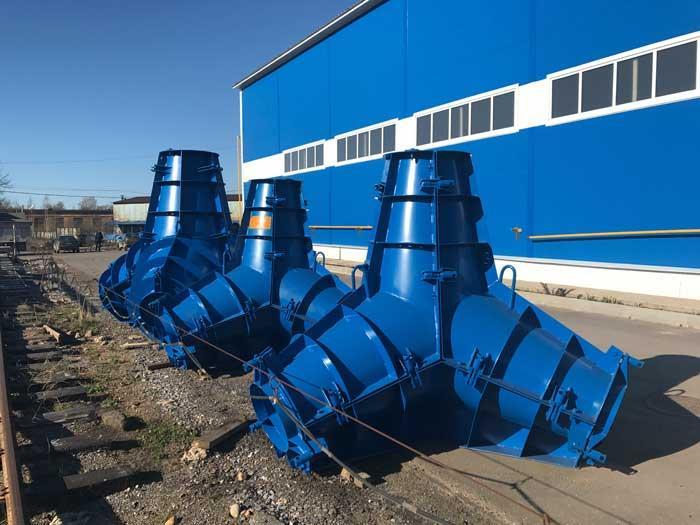 Tetrapod steel molds - sea defense