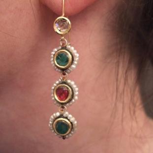 Boucles d'oreilles - Or22ct, diamants,rubis, émeraudes, perles,Inde