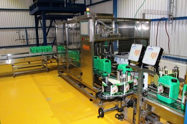 Automatic Jerry cans Filling and Capping Line