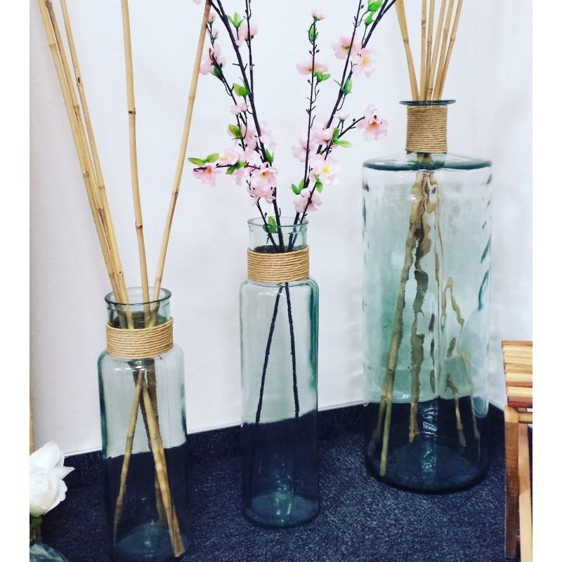 Vase en verre 100% recyclé, modèle NOA avec raffia hauteur 28 cm - Vases, Lanternes, décoration