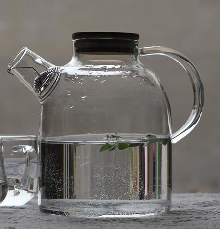 GLASS DECANTER  - 1800ML