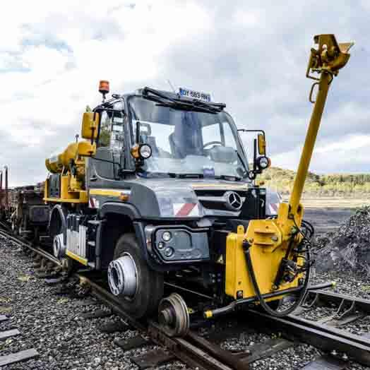 Véhicule Rail-Route - UNIMOG Traction