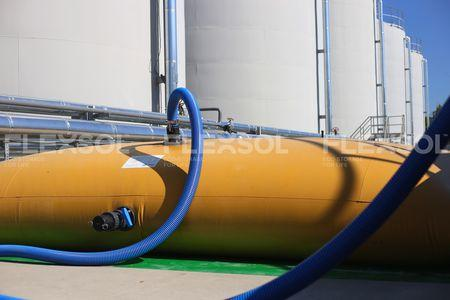 LIQUID FERTILIZER TANKS - Liquid fertilizer storage