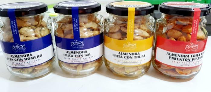 Almendra Frita Sal con Romero / Trufa / Pimentón Picante  - Almendras fritas con sal  con distintas sabores.