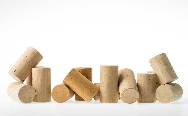 Natural cork stoppers - null