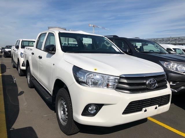 Toyota Hilux 3.0d D/c Medium - Cars