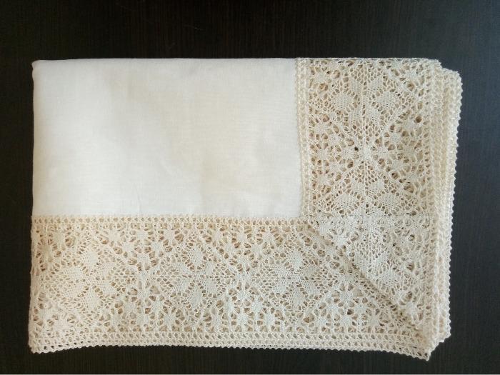 Lace border linen  tablecloth  - Wide lace border tablecloth