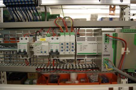 Coffrets et armoires électriques - Armoires d'automatisme et de régulation