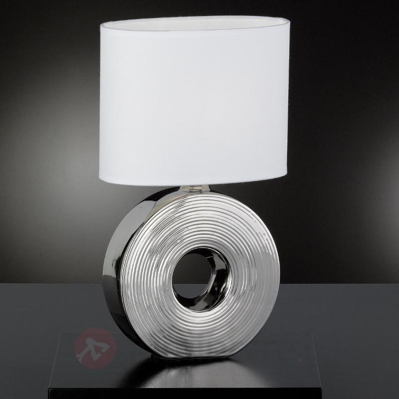 Lampe à poser Eye fascinante, pied argenté 38 cm - Lampes à poser en tissu