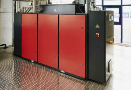 Compressed-air-and-heat system