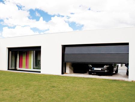Porte de garage sectionnelle grande largeur