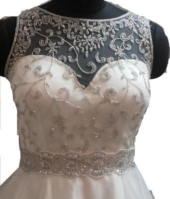 Haut de robe de mariée - Broderies à la main