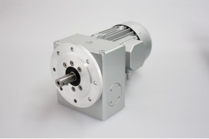 SN7F - Zweistufiger Getriebemotor mit Ausgangswelle