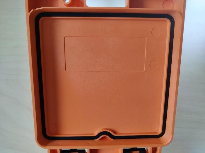 Inyección de 2 componentes plasticos - BI-INYECCIÓN DE PLÁSTICO