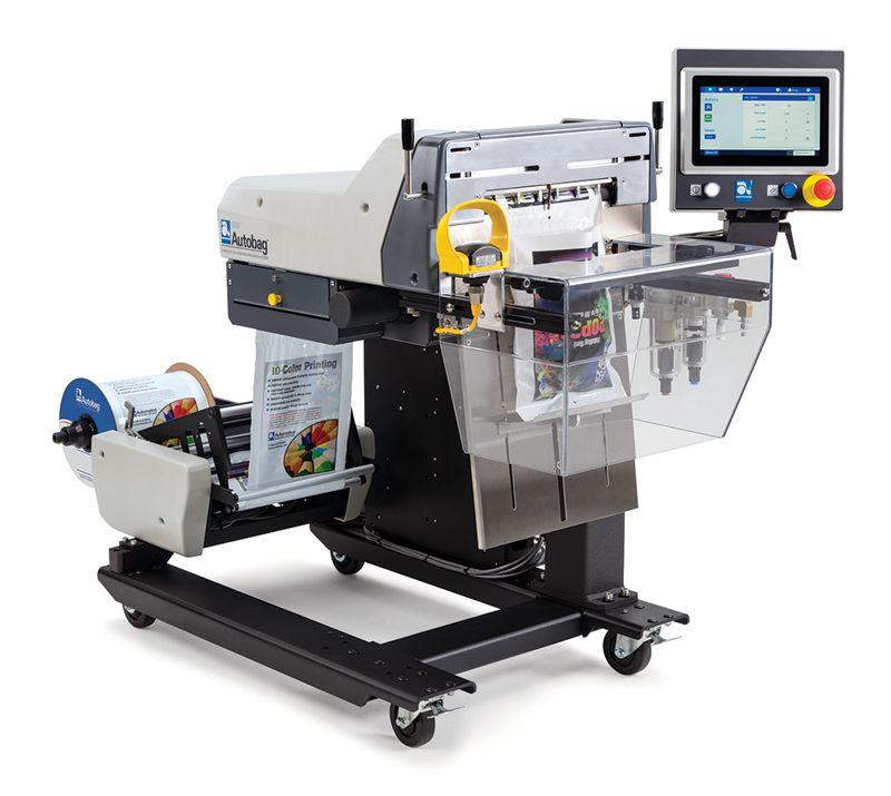 Automatic filling and sealing machine -