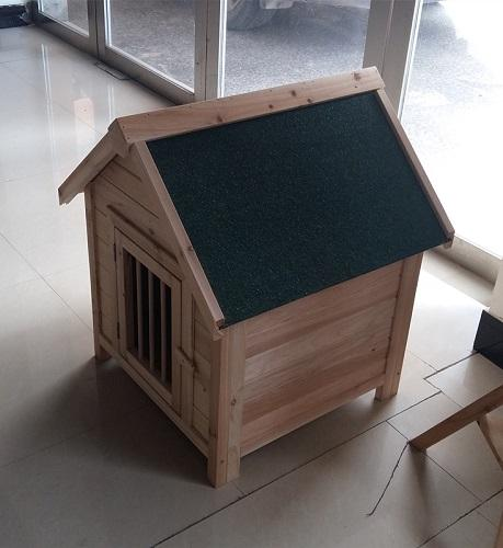 Log dog house for decorative landscaping and security - Wooden material