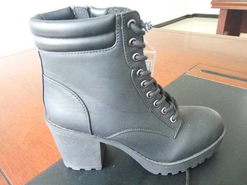 Chaussures à talons hauts féminin
