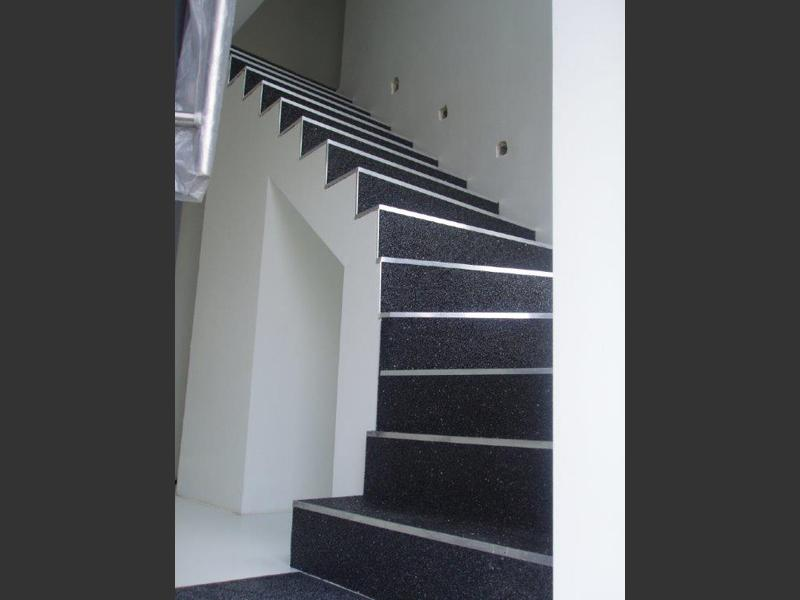 Tapis de pierre escaliers decsol belgique for Tapis antiderapant escalier exterieur