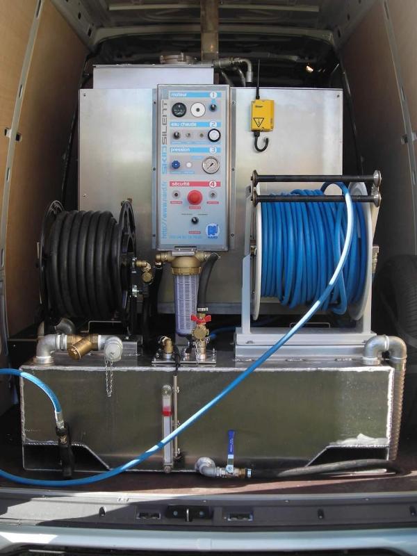 Machine Propreté urbaine - COMBI SKID H1 sur porteur Iveco