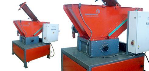 Trituradoras monoeje M400 | M600 | M700 | M800 - Características técnicas de las trituradoras universales monoeje ERDWICH