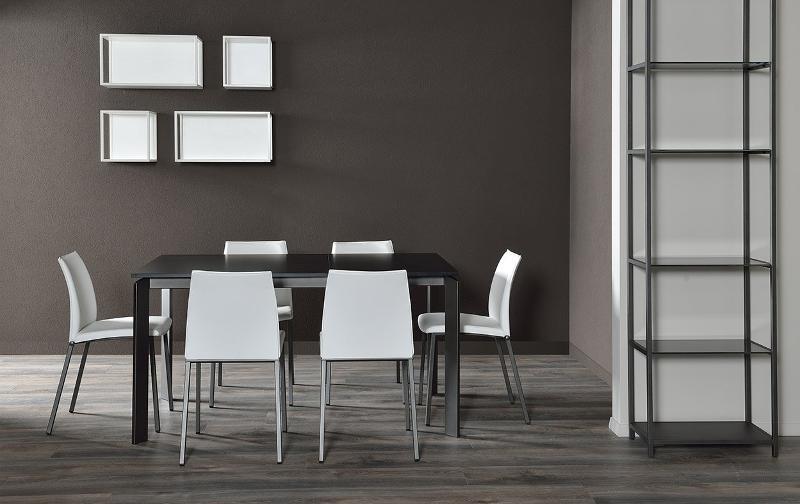 tavolo con sedie in ferro - Scaffali metallici