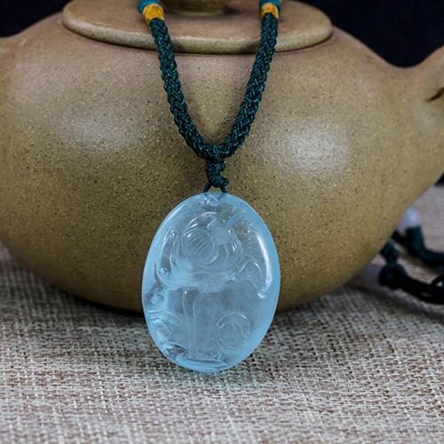 Natural aquamarine carved pieces lotus-shaped pendant