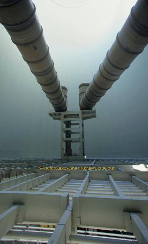 Natural draft cooling towers - Flue Gas Injection