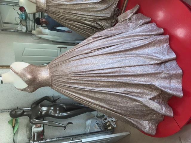 Robe de mariée  - Robe de mariée en couleurs dorée