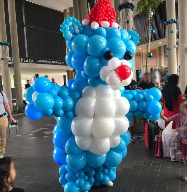 SQUARELOON - Square-shaped latex balloon with links