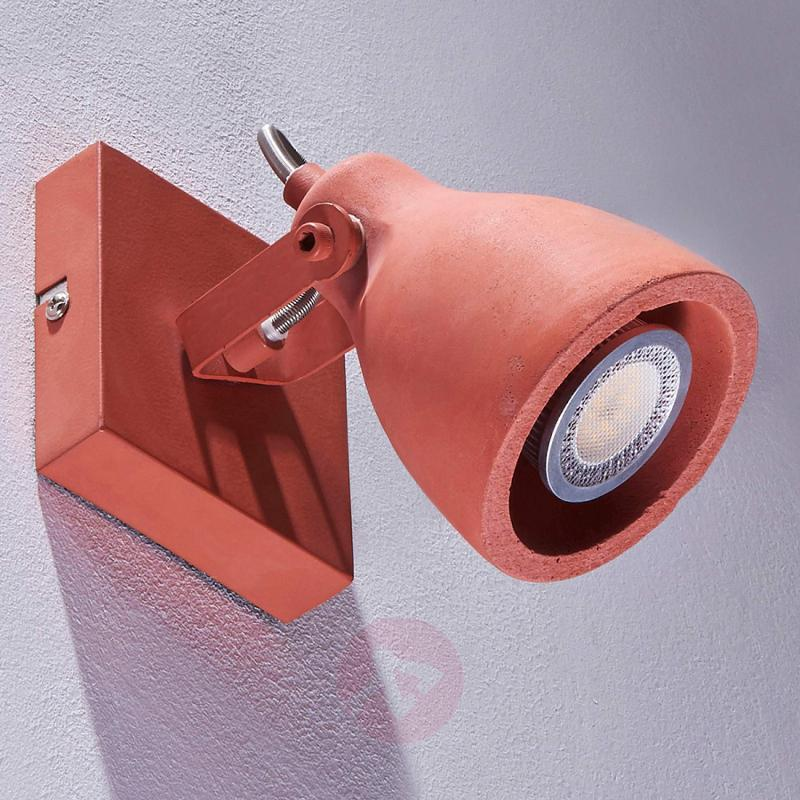 Terracotta-coloured concrete spotlight Kadiga, LED - indoor-lighting