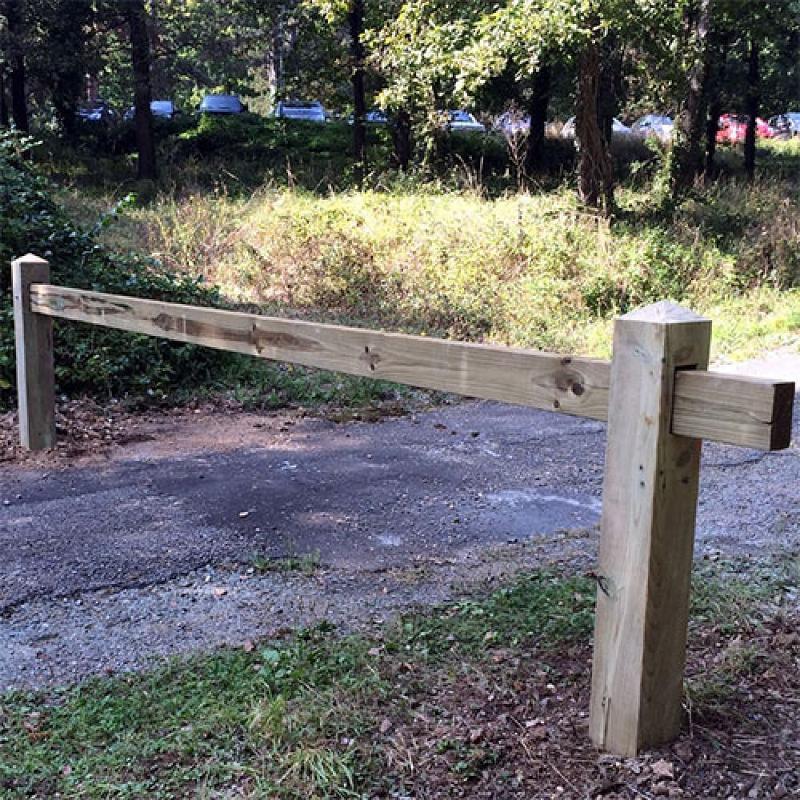 Barrière de parking coulissante en bois - Aménagement parking