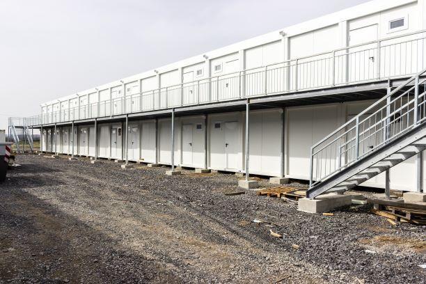 Bâtiments préfabriqués en panneau sandwich - Bâtiments préfabriqués pour Base vie de chantier